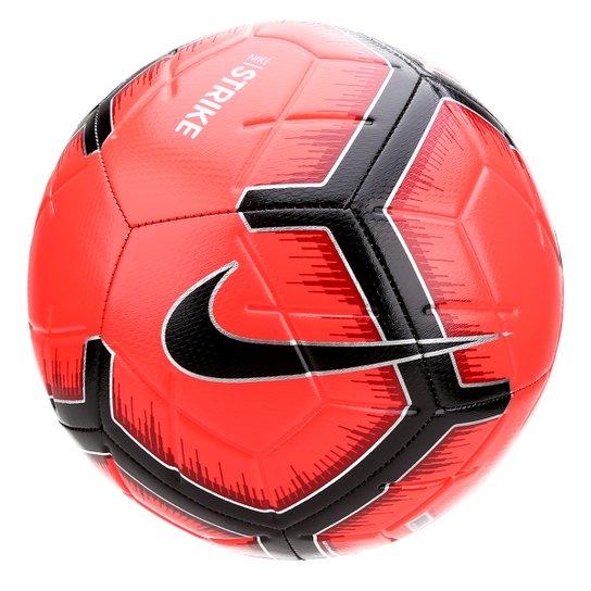 02b8a7490c076 Bola de Futebol Campo Nike Strike - Preto e Vermelho - Compre Agora ...