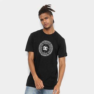 b516be6a9e Camiseta DC Shoes Bas Target Masculina