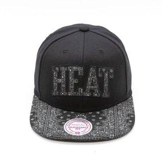 Boné Mitchell   Ness Black Bandana NBA Miami Heat Snapback db3b99f5e9416