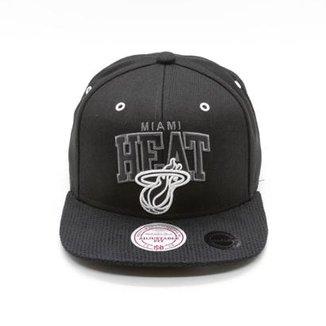 Boné Mitchell   Ness Marked NBA Miami Heat Snapback 9c01b386fd1