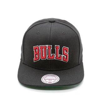39b28cb110315 Boné Mitchell   Ness Lã Solid NBA Chicago Bulls Snapback