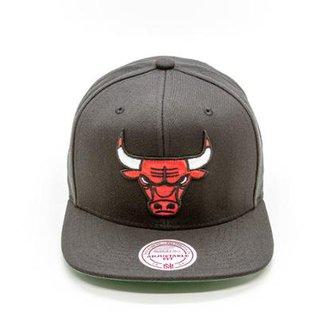 2df2fe2c9fc19 Boné Mitchell   Ness Solid NBA Chicago Bulls Aba Reta