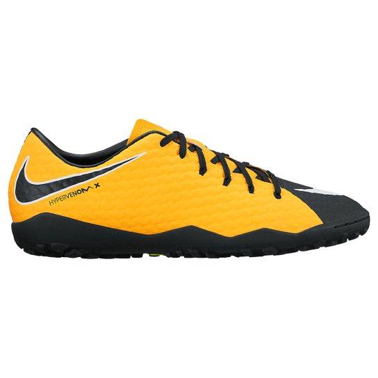 b59aa6d0e9 Chuteira Society Nike Hypervenom Phelon 3 TF - Laranja e Preto ...