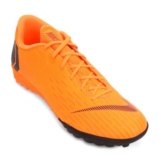 83236ba89b Chuteira Society Nike Mercurial Vapor 12 Academy - Laranja e Preto ...