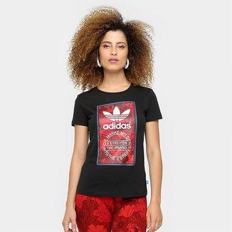 a908b787227 Camiseta Adidas Originals Tongue Label Slim