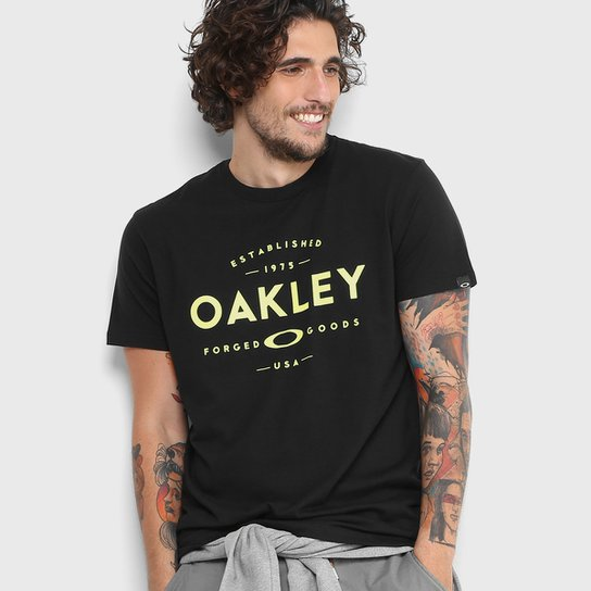 Camiseta Oakley Established Masculina - Compre Agora  2cfb6e570c9