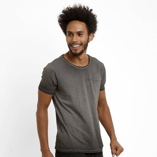 54458051f8780 Camiseta Calvin Klein Estonada - Compre Agora
