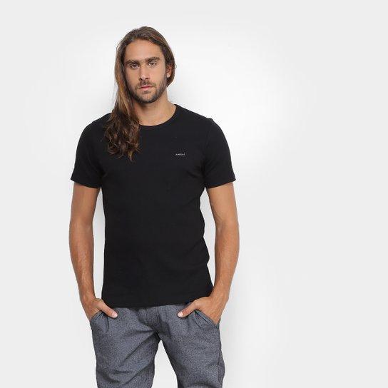 bbc1fa1412 Camiseta Colcci Bordada Canelada Masculina - Compre Agora