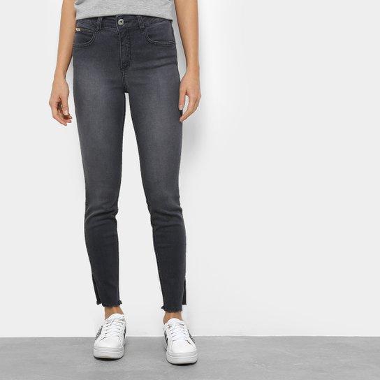 b31f8a00e Calça Jeans Skinny Colcci com Fendas Feminina - Compre Agora   Netshoes