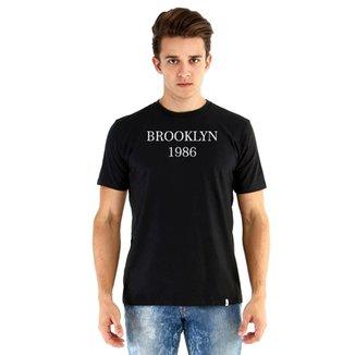 Camiseta Ouroboros manga curta Brooklyn 1986 0438fd807b5