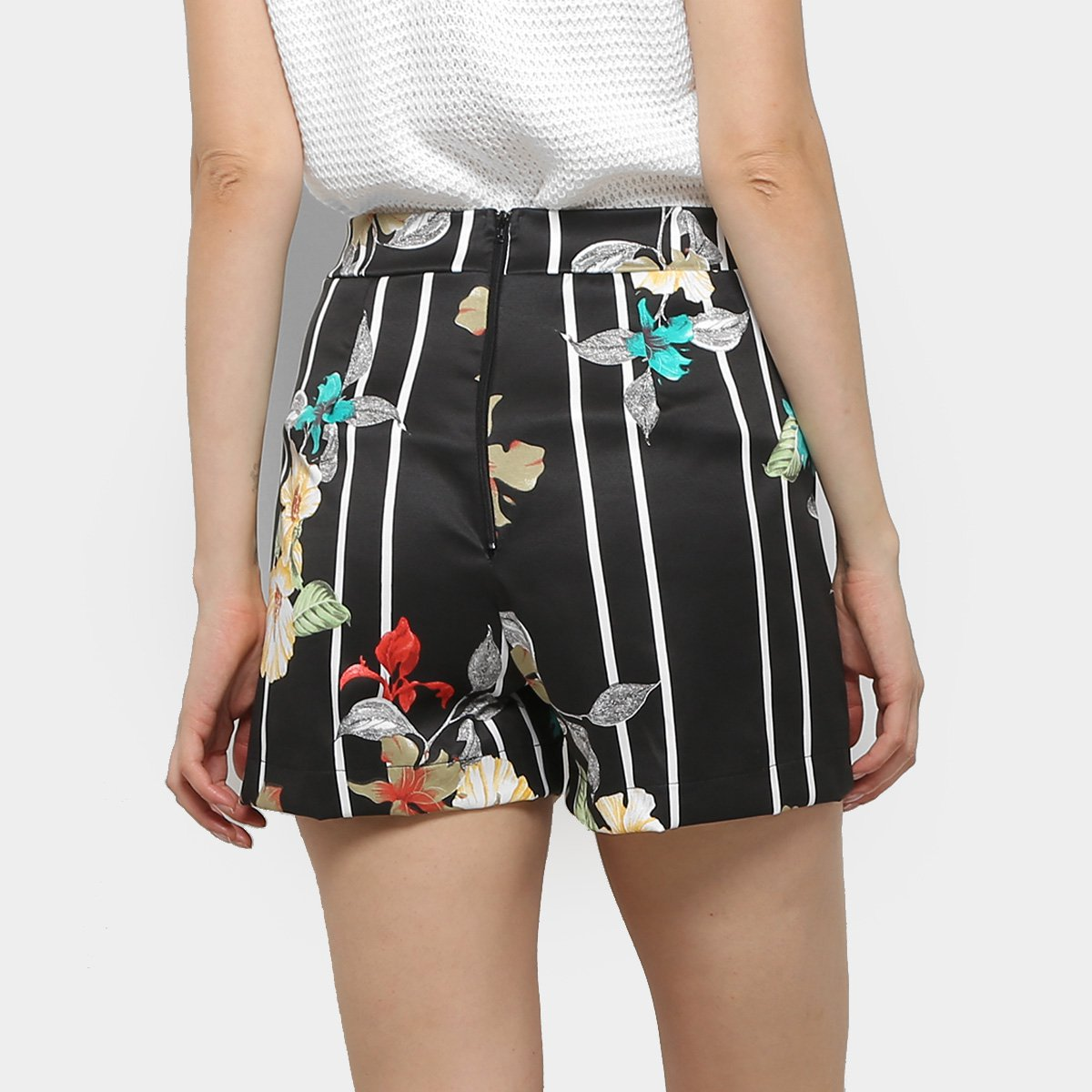 Foto 2 - Shorts Mercatto Hot Pants Listrado Floral Feminino