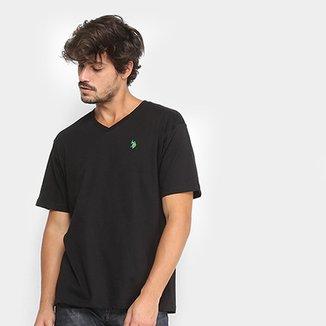 98217e326 Camiseta U.S. Polo Assn Gola V Masculina