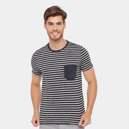 f983054f09 Camiseta Tigs Listras Bolso Contraste Masculina - Preto