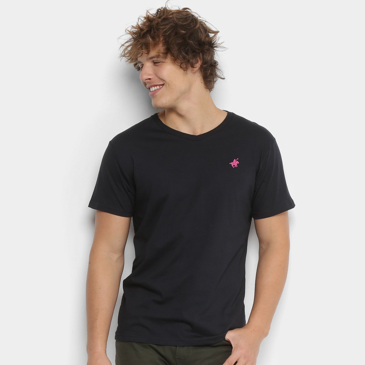a431390ac3 Camiseta Polo UP Gola V Masculina