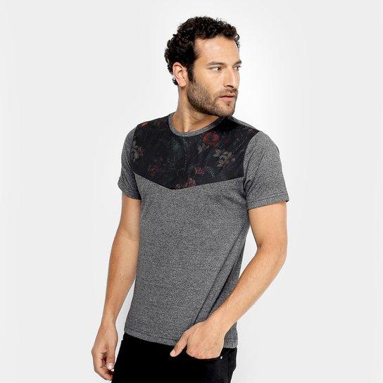 4b4fa2fcc0 Camiseta Overcore Recorte Floral Masculina - Preto