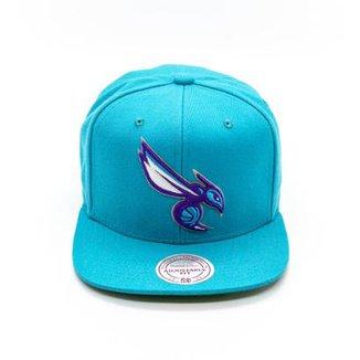 Boné Mitchell   Ness Lã Solid NBA Charlotte Hornets Snapback fc70bc7bb57