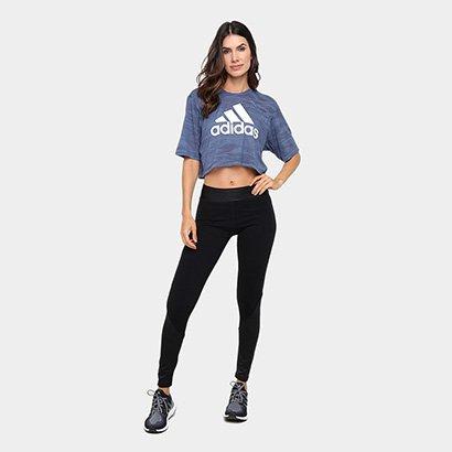c3fbafe78c4 ... Camiseta Cropped Adidas Boxy Aeroknit Feminina. Passe o mouse para ver  o Zoom
