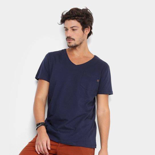 fc92bd5a4 Camiseta Triton Gola V com Bolso Básica Masculina | Netshoes