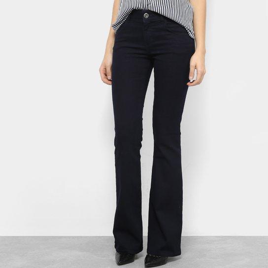 412869f99 Calça Jeans Flare Colcci Fátima Básica Cintura Média Feminina - Azul Escuro