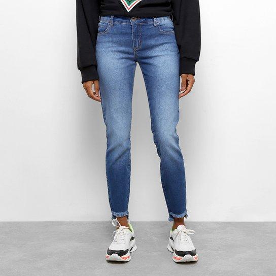 18523ef4d Calças Jeans Skinny Colcci Fátima Cintura Média Feminina - Azul ...