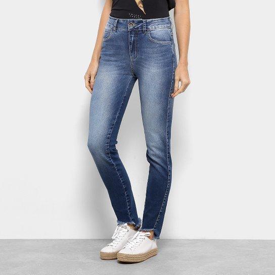 Calça Jeans Colcci Kim Skinny Feminina - Azul - Compre Agora  f48d32e92b1