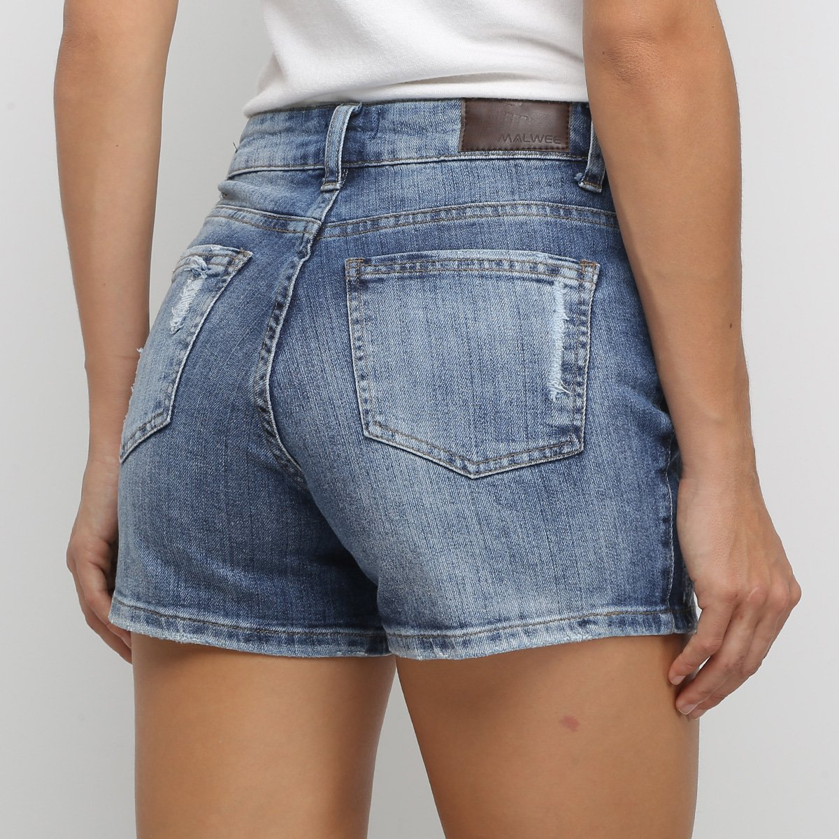 Foto 2 - Short Jeans Malwee Comfort Feminino