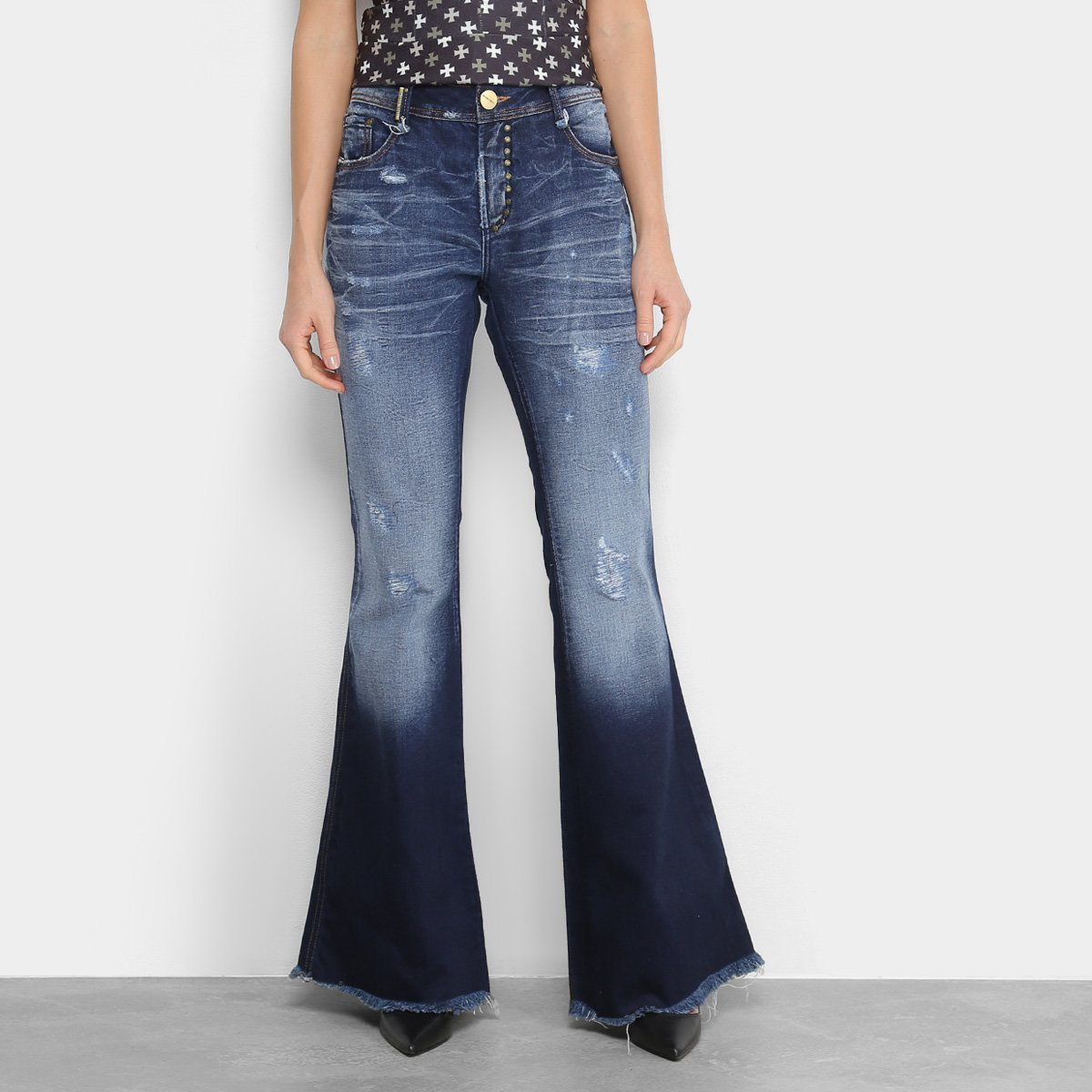 e70cfa1a2 Calça Jeans Flare Lança Perfume Low Comfort Estonada Puídos Barra Des.