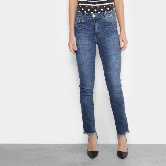c96c2fb3f Calça Jeans Biotipo Estonada Barra Desfiada Fenda Cintura Média Feminina -  Azul