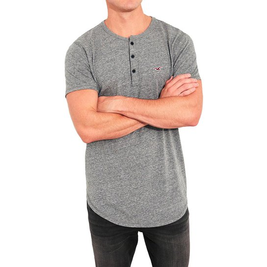 8ae01a0bbc Camiseta Hollister Slim Masculina - Cinza