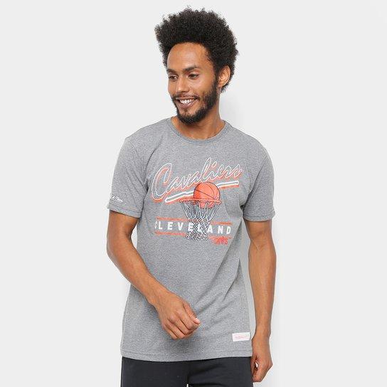 7c7d3c1e63a74 Camiseta NBA Cleveland Cavaliers Mitchell   Ness Drive To The Basket II  Masculina - Cinza
