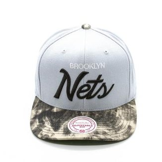 f57da82e0544c Boné Mitchell   Ness Visor Dyed Denim NBA Brooklyn Nets Aba Curva