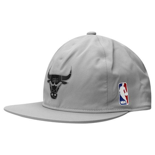 Boné Adidas Aba Reta NBA Sbc Chicago Bulls - Compre Agora  115e44e716d