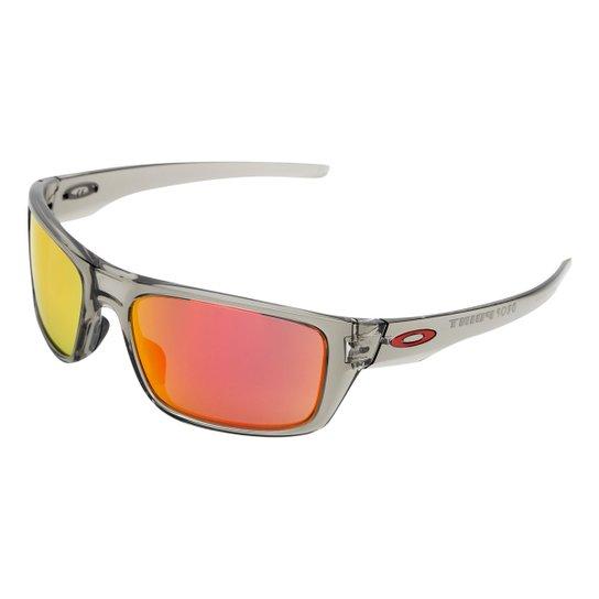 Óculos de Sol Oakley Drop Point Masculino - Cinza - Compre Agora ... d5c9426131