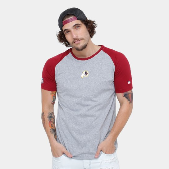 2475af5ab7 Camiseta NFL Washington Redskins New Era Team Mini Logo Masculina - Cinza+ Vermelho