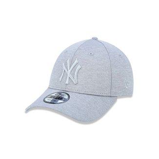 Boné 940 New York Yankees MLB Aba Curva Strapback New Era 6008ee3d136