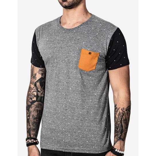 d232c259c1 Camiseta Hermoso Compadre Poá Bolso Masculina - Cinza - Compre Agora ...