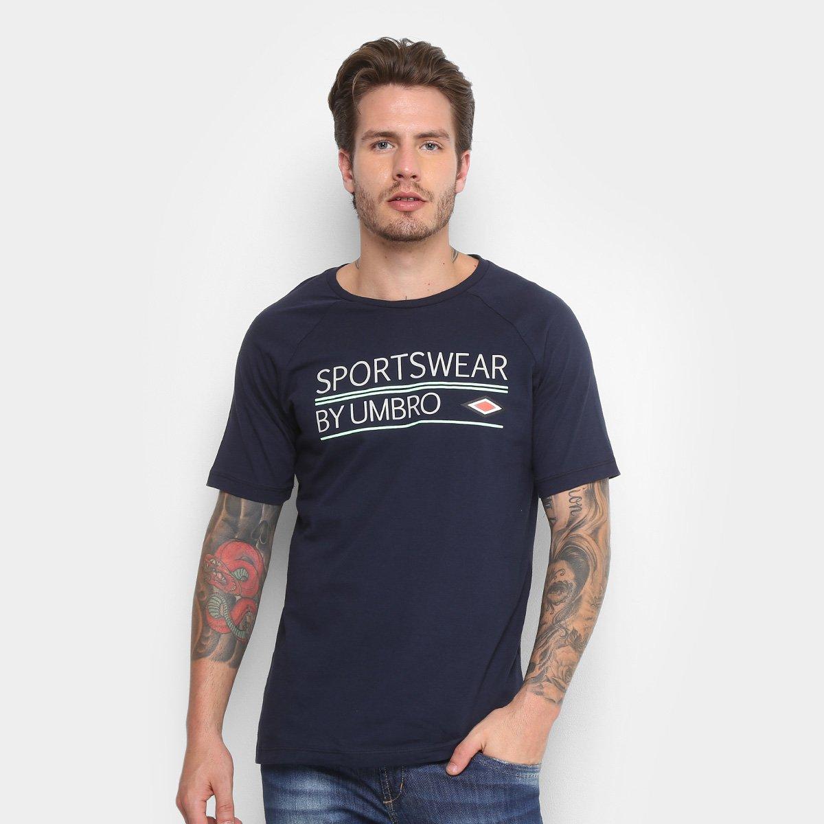 Camiseta Umbro Clássica Masculina