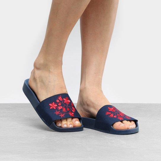 3d6118b42 Chinelo Moleca Slide Bordado Feminino - Compre Agora   Netshoes
