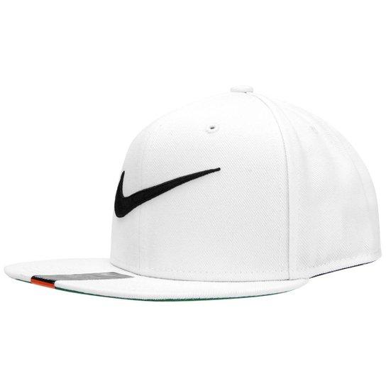 61fd63e33e0e5 Boné Nike Aba Reta QT Pro Swoosh - Compre Agora