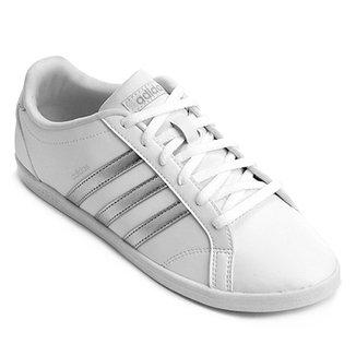 4e2520a0c5 Compre Tenis Adidas de Couro Branco Com Listras Cinza na Sola Online ...