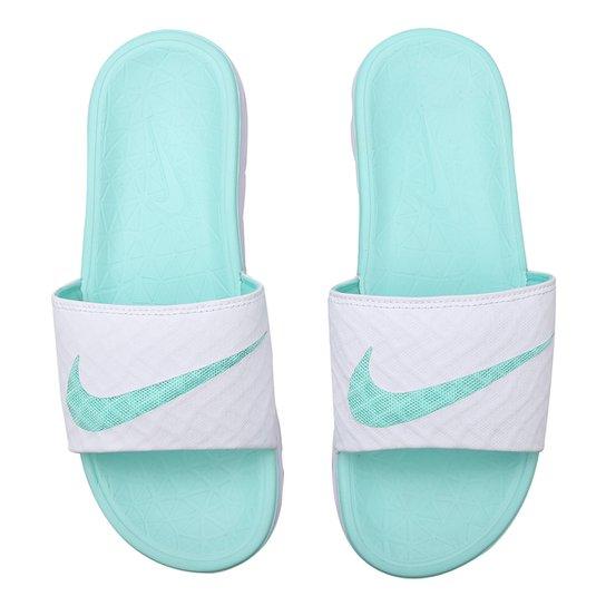 8302f32fa66 Chinelo Nike Benassi Solarsoft - Branco e Verde Água - Compre Agora ...