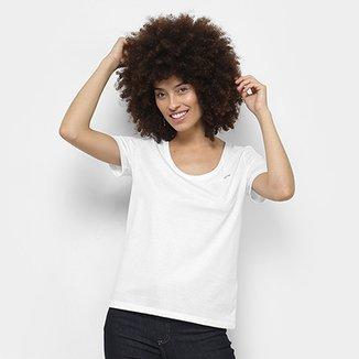 Compre Camiseta Lacoste Feminina Online   Netshoes 0315b7e98c
