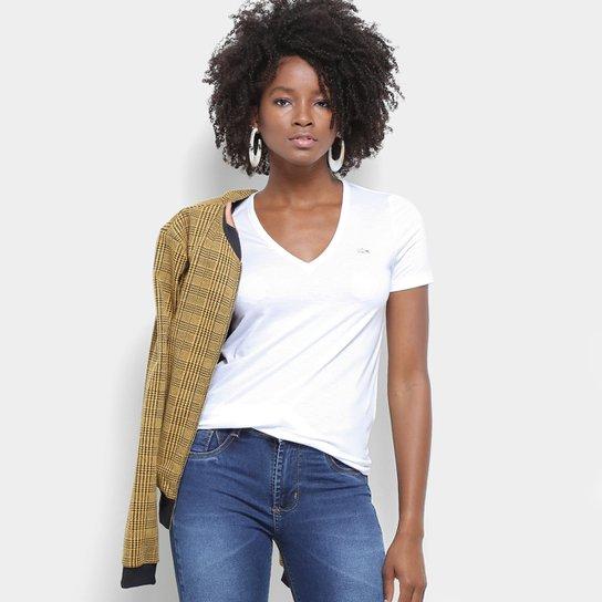 c78a3742136 Camiseta Lacoste Gola V Feminina - Branco - Compre Agora