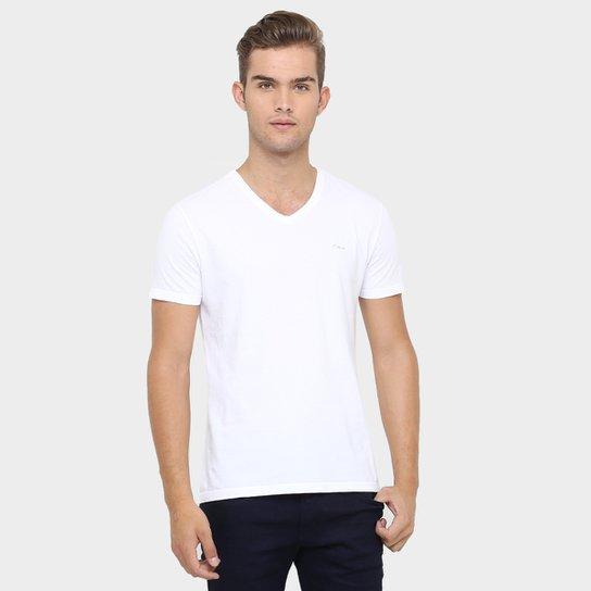 05ac50a6e4b7f Camiseta Calvin Klein Gola V Básica - Compre Agora
