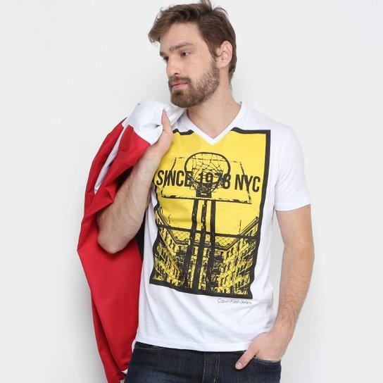 Camiseta Calvin Klein Gola V Basquete Masculina - Branco - Compre ... 3b27868229