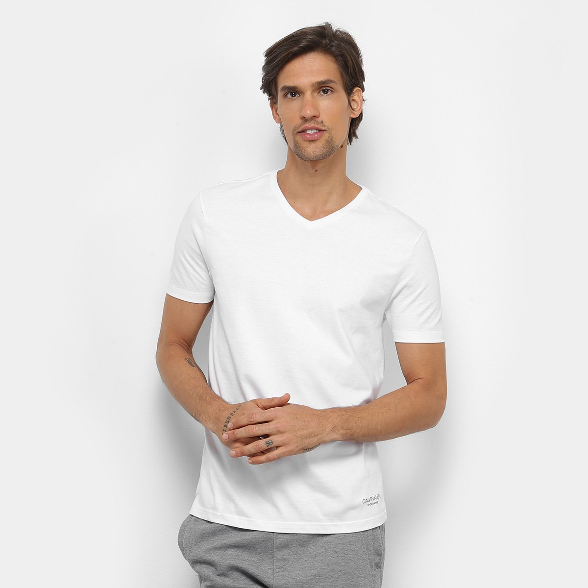 Foto 2 - Kit 2 Peças Camiseta Calvin Klein Meia Malha Masculina