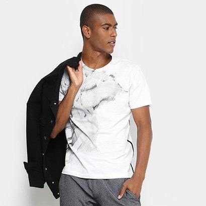 Camiseta Forum Flor Detalhe Lateral Masculina