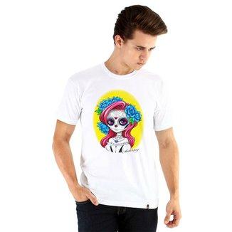 cef13086883e9 Camiseta Ouroboros manga curta Chibi Catrina