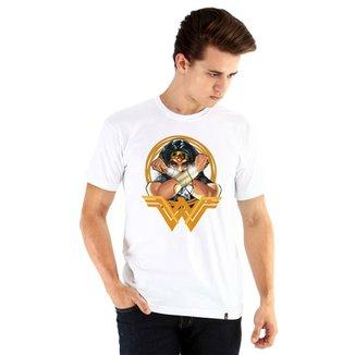 7b80dd9c8b Camiseta Ouroboros Manga Curta Wonder Woman Masculina