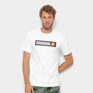 4fdea2cc16fc1 Camiseta Nike Swoosh Bmpr Stkr Masculina